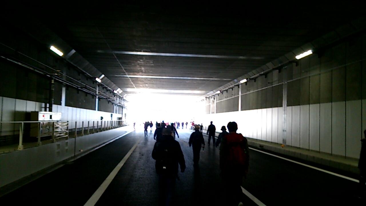 止々呂美トンネル出口間近