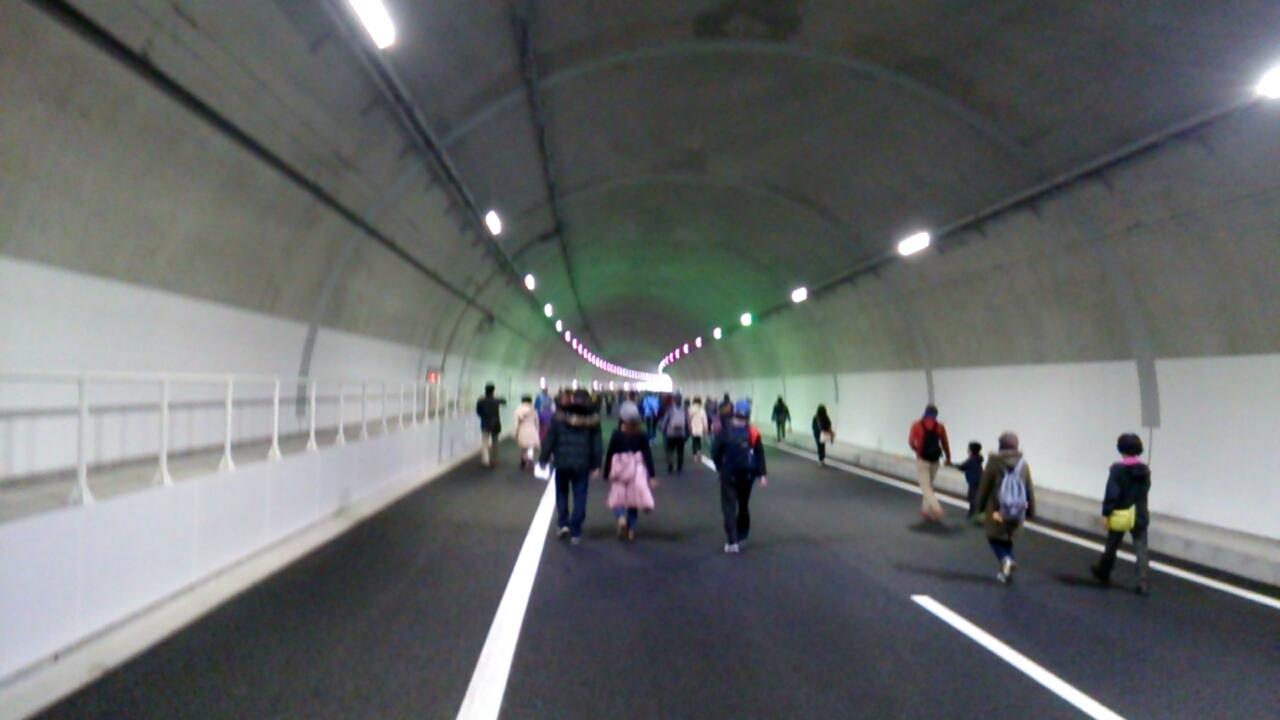 止々呂美トンネル内から見える出口