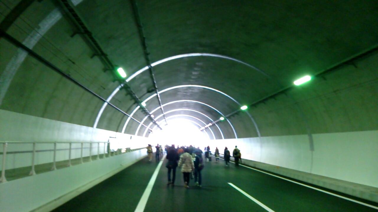 止々呂美トンネル内から見える出口3